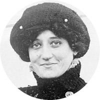 Female Pioneer Raymonde de Laroche